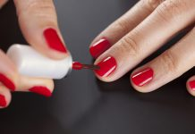 Wie lackiert man Fingernägel richtig