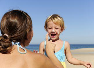 Welche Sonnencreme für Babys und Kleinkinder