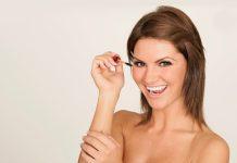 Mascara auftragen für einen beeindruckenden Augenaufschlag