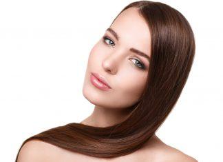 Ganz ohne Glätteisen: glatte Haare mit der richtigen Pflege und dem richtigen Styling