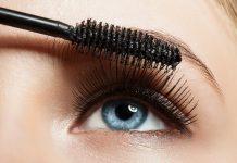 Primer und Mascara für lange Wimpern