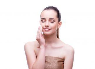 Gesichtscreme für die Hautpflege mit 20, 30, 40 Jahren
