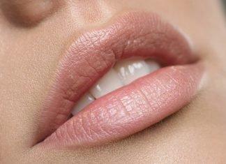 Tipps, mit denen man Lipgloss länger haltbar machen kann