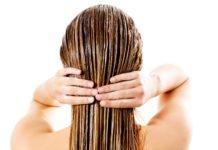 Frau mit feinen Haaren