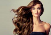 Haare mit kalter Luft föhnen
